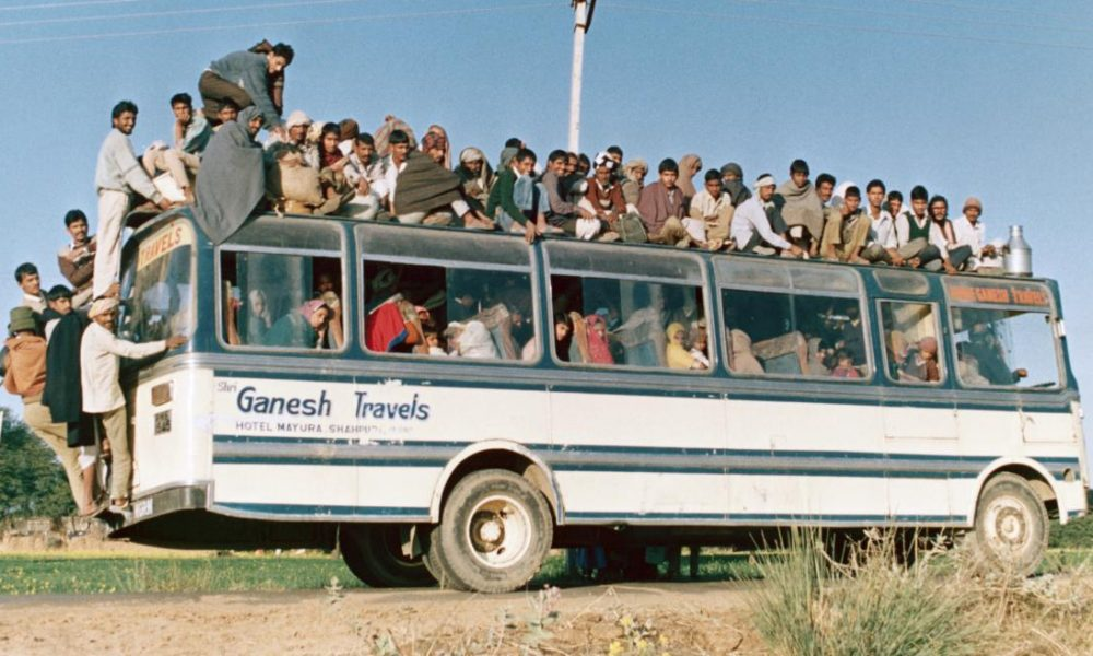 India bus - Chalo